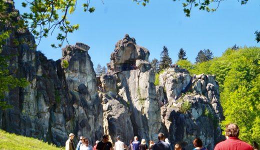 【ドイツの絶景】奇岩エクステルンシュタイネExternsteine|古代ゲルマン人の聖地