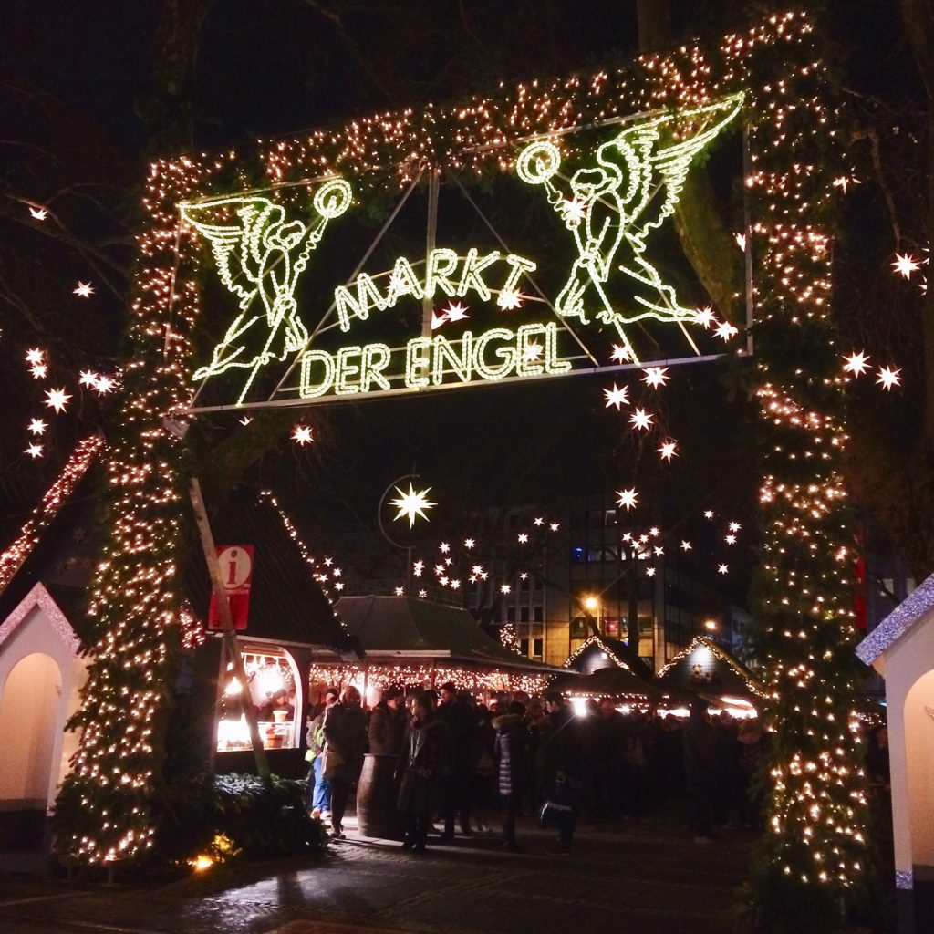 ケルン ノイマルクト 天使のクリスマスマーケット