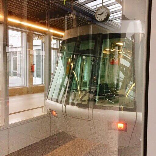 デュッセルドルフ空港駅 スカイトレイン
