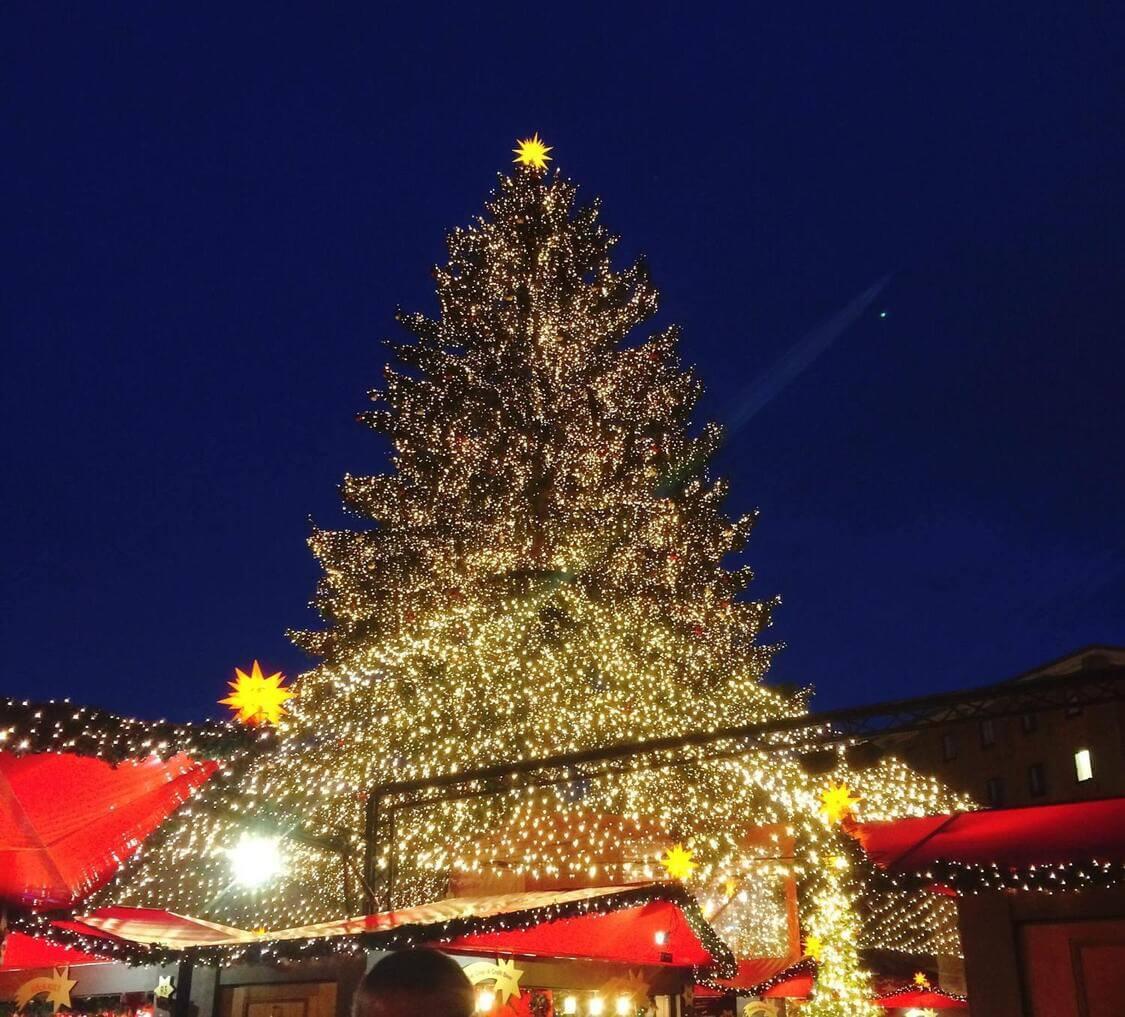 ケルン大聖堂前 クリスマスマーケット