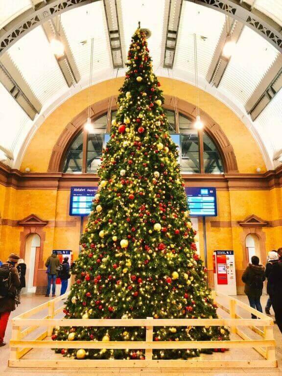 エアフルト中央駅 クリスマスマーケット